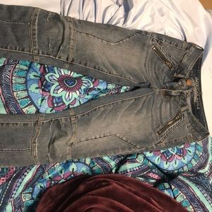 Medium wash, American Eagle jeggings